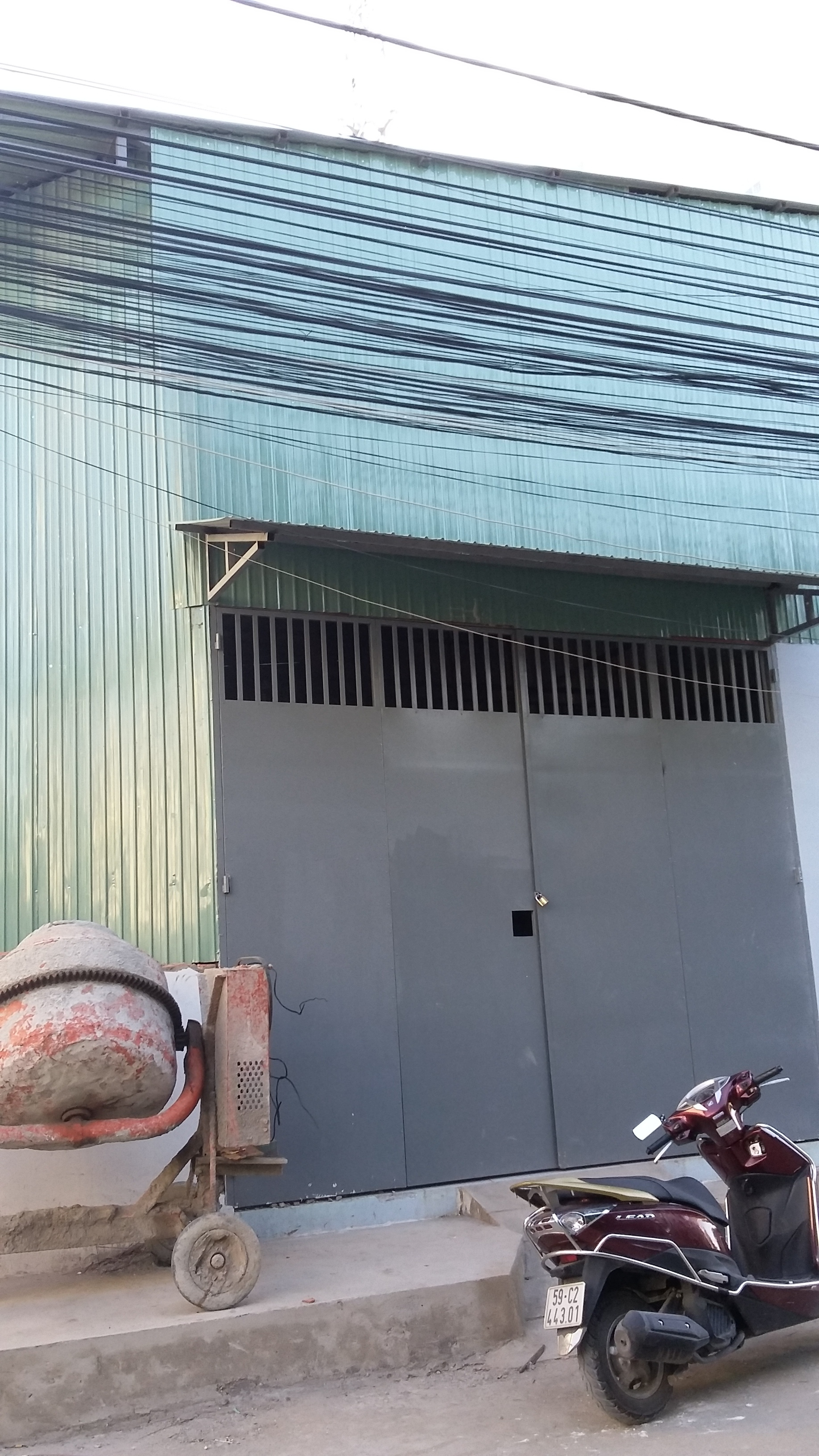 thue-kho-xuong-300m-huynh-tan-phat-quan-7