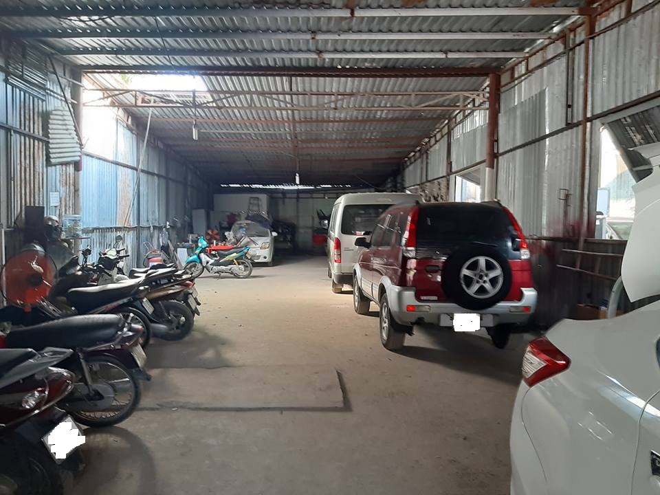 Cho thuê kho bãi Quận 4 DT 200m đường Bến Vân Đồn gần cầu Nguyễn Văn Cừ.
