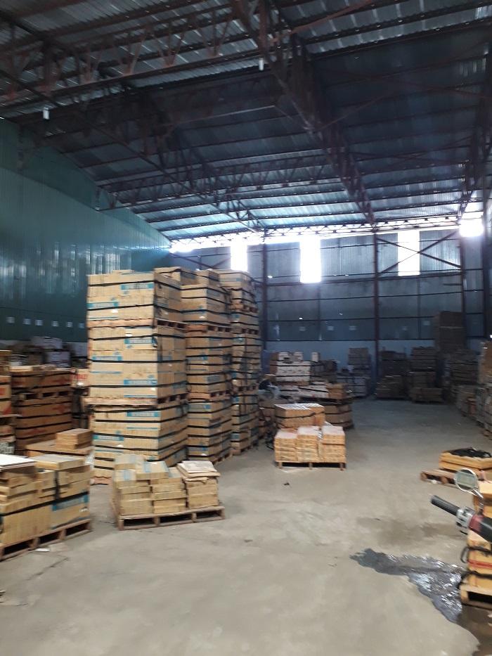 Cho thuê kho bãi DT 1200m MT đường Hoàng Quốc Việt, Quận 7