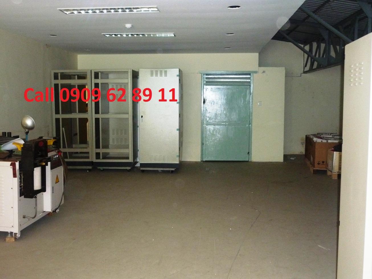 thuê văn phòng 250m2 300m2 Nguyễn Tất Thành Quận 4